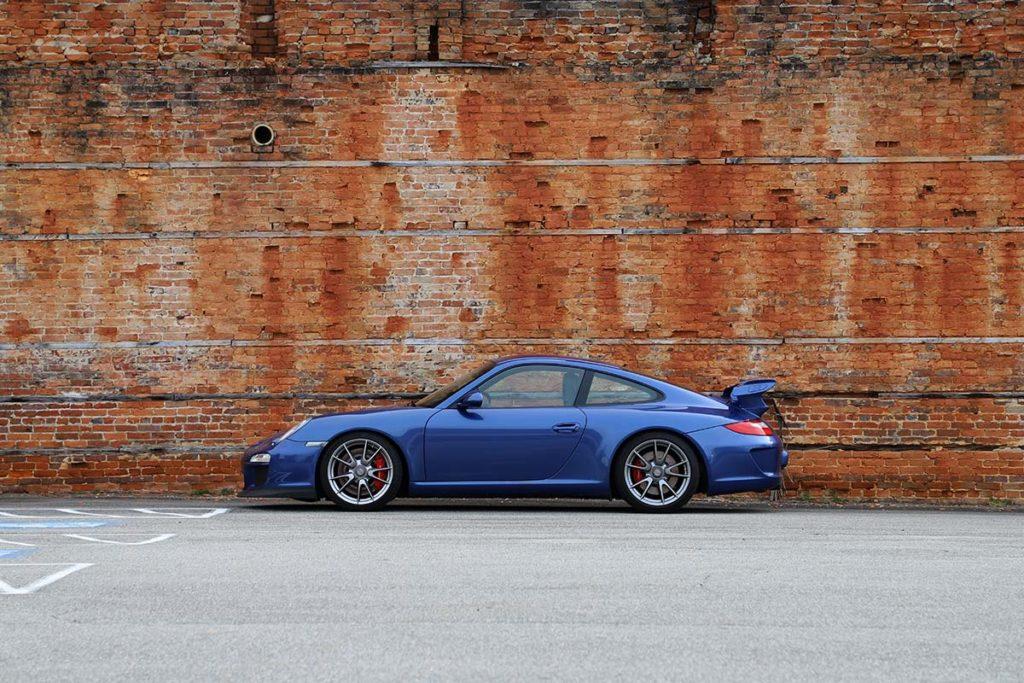 Porsche 997.2 GT3 and red brick wall